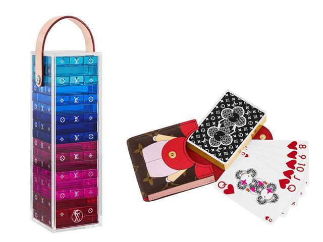 画像: (左)テーブルゲーム「モノグラム・タワー」¥330,000 (右)カードゲーム「エテュイ・カルト アルセーヌ」¥71,000
