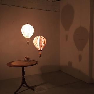 気球の形をした照明作品