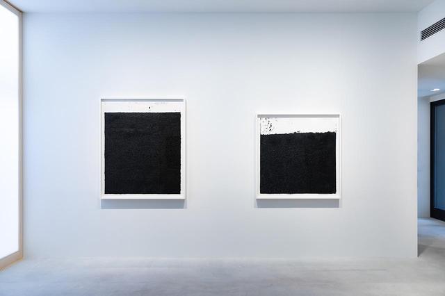 画像: 『リチャード・セラ:ドローイング』の展示風景。セラの個展は日本では20年ぶりとなる INSTALLATION VIEW OFRICHARD SERRA: DRAWINGSAT FERGUS MCCAFFREY TOKYO, JUNE 2020 © 2020 RICHARD SERRA / ARTISTS RIGHTS SOCIETY (ARS), NEW YORK; PHOTOGAPH BY RYUICHI MARUO
