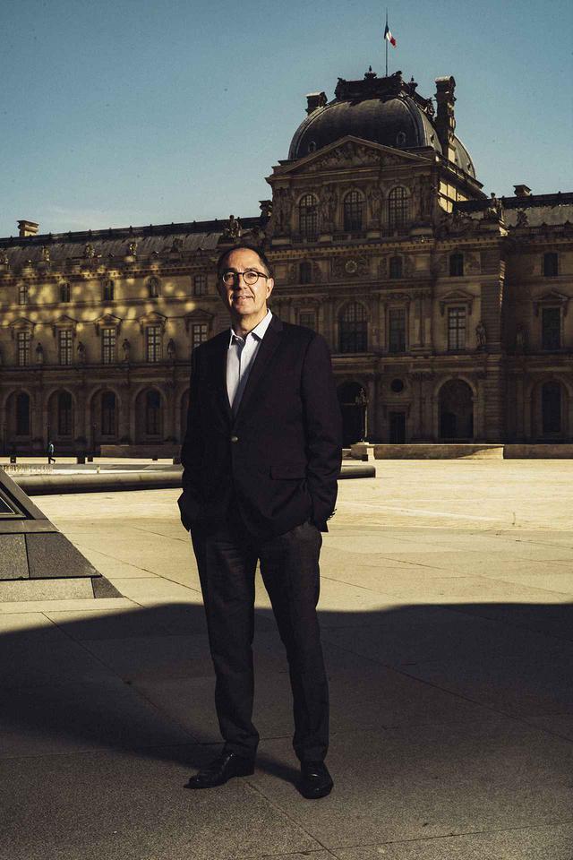 画像: ルーヴル美術館の館長ジャン=リュック・マルティネズ。「私たちは、国立のミュージアムであることを幸運だと思っています」と話す
