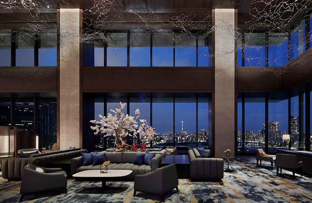 画像: 16階にあるロビーラウンジ。フレグランスプロデューサー石坂将氏によるオリジナルの香り「tokyo CITRON(トーキョーシトロン)」が漂う。高い天井、大きなガラス窓、都会の夜を独り占めするような夜景が広がる
