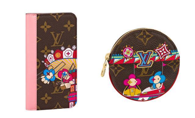 画像: (写真左)[FLYING CHAIR]iPhone 11・フォリオ<H18×W16.2×D1.5cm> ¥50,000(日本限定発売) (写真右)[BUMPER CAR]ラウンド・コイン パース「ポルトモネ・ロン」<H9×W9×D1cm> ¥39,000 COURTESY OF LOUIS VUITTON
