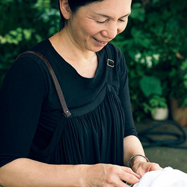 画像: 谷 匡子|doux.ce 挿花家。東京にアトリエを構え、東北に畑を持ち、自ら花を育てながら四季の花の命を伝える。花の定期便「花便り」やレッスン、空間プロデュースも行う。オーダーでつくる「季節の花束」¥10,000~(送料別) TEL. 03(6421)4771 www.doux-ce.com