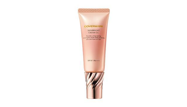画像: カバーマーク スキンブライト クリーム CC SPF50+・PA++++<25g>(全2色)¥3,800 スキンケア後、これ一品で肌を整えられるのはもちろん、化粧下地としても使えるマルチアイテム 商品詳細は こちら COURTESY OF COVERMARK
