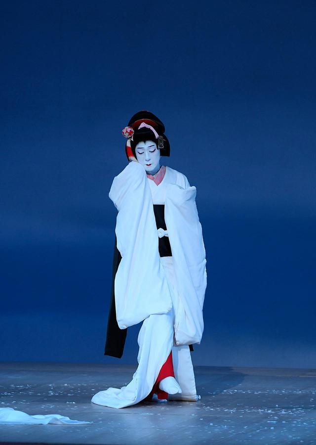 画像2: 『鷺娘』鷺の精=坂東玉三郎(2020年9月歌舞伎座) ©️ SHOCHIKU