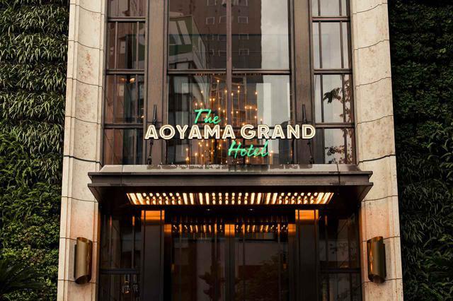 画像: どことなくアンティーク感のあるホテルのメインエントランス