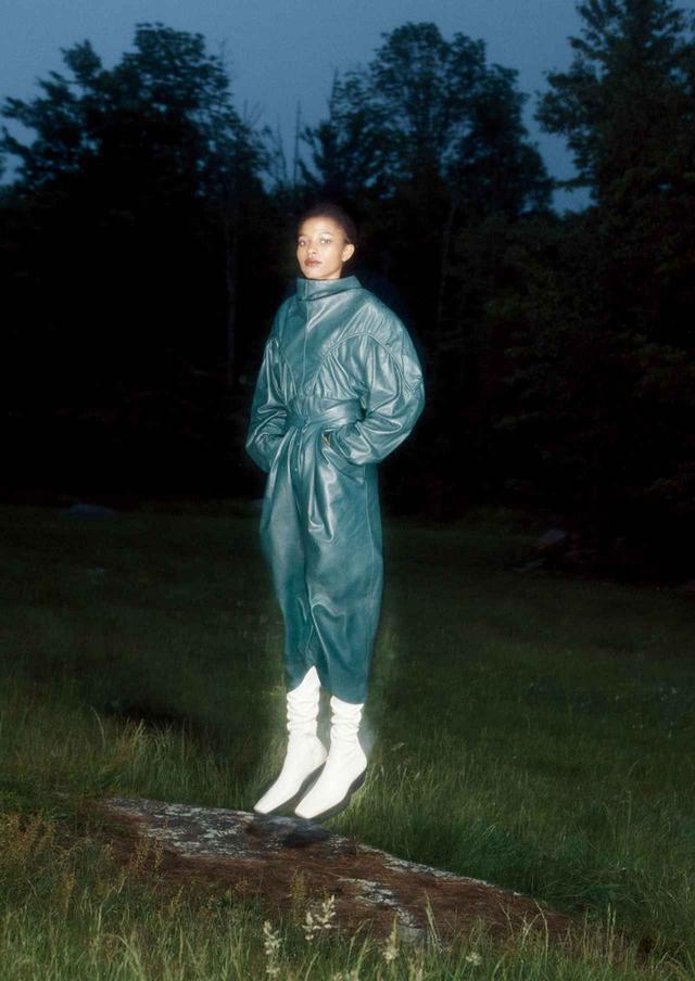 画像3: 真夜中のヒロインは 優雅でボリューミーなドレスを纏う