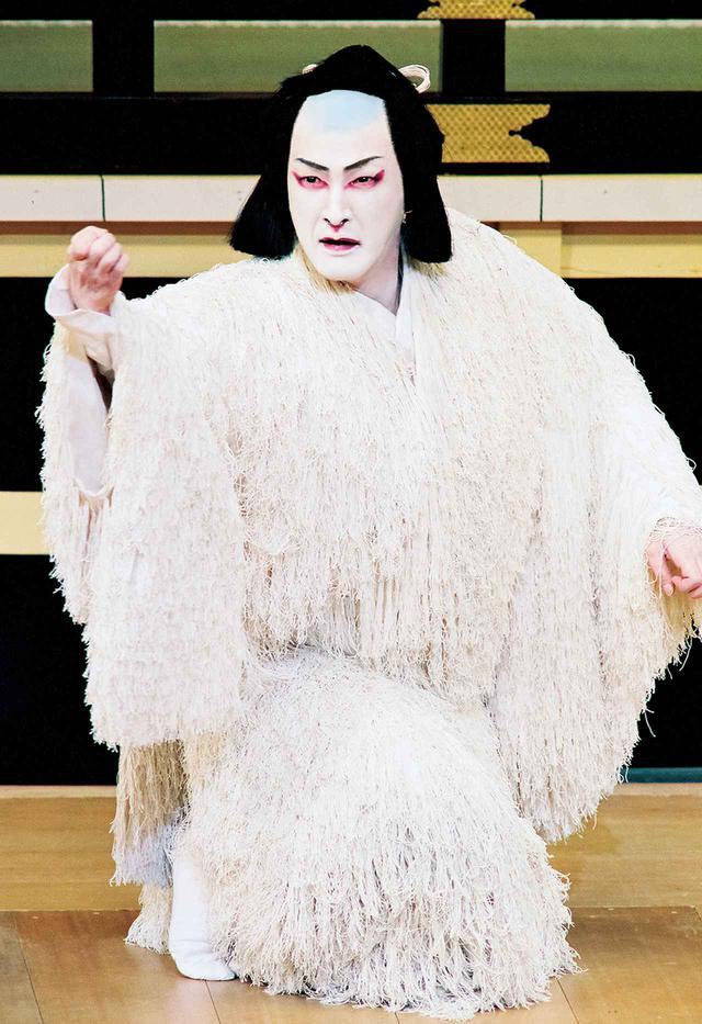 画像: 『義経千本桜 川連法眼館』源九郎狐=中村獅童(平成15年1月浅草公会堂) © SHOCHIKU
