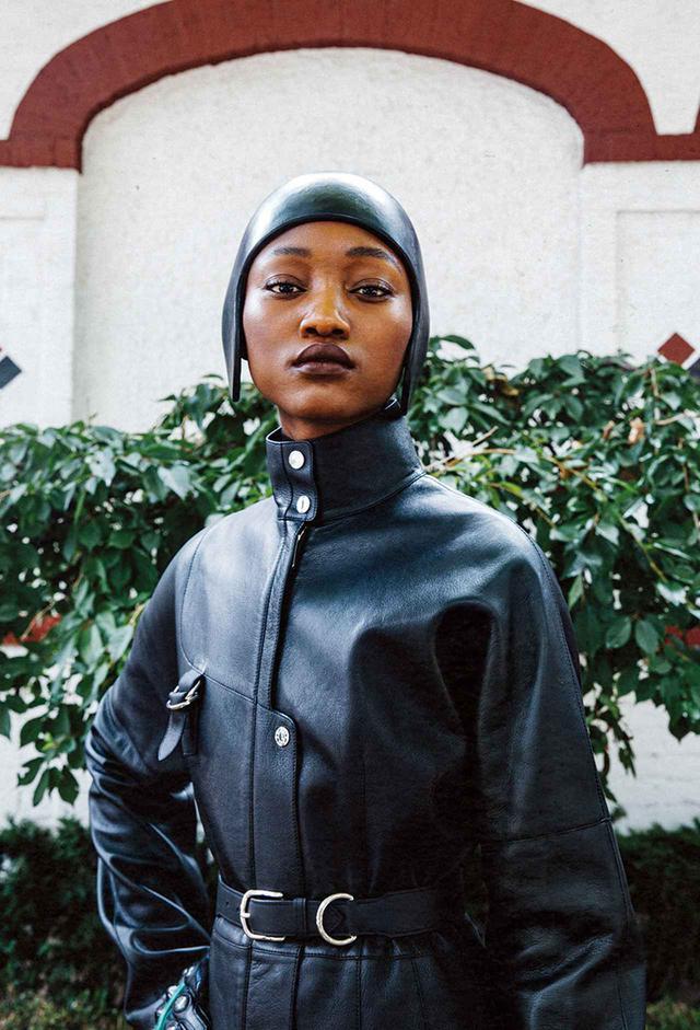 画像2: 黒、グレー、ネイビーブルー 冬の散歩道は モノクロームの装いで