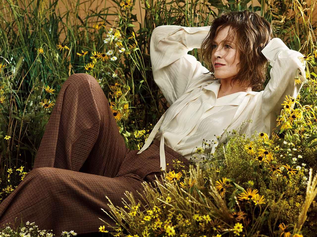 Images : 4番目の画像 - 「シガニー・ウィーバーは 前へ進み続ける」のアルバム - T JAPAN:The New York Times Style Magazine 公式サイト