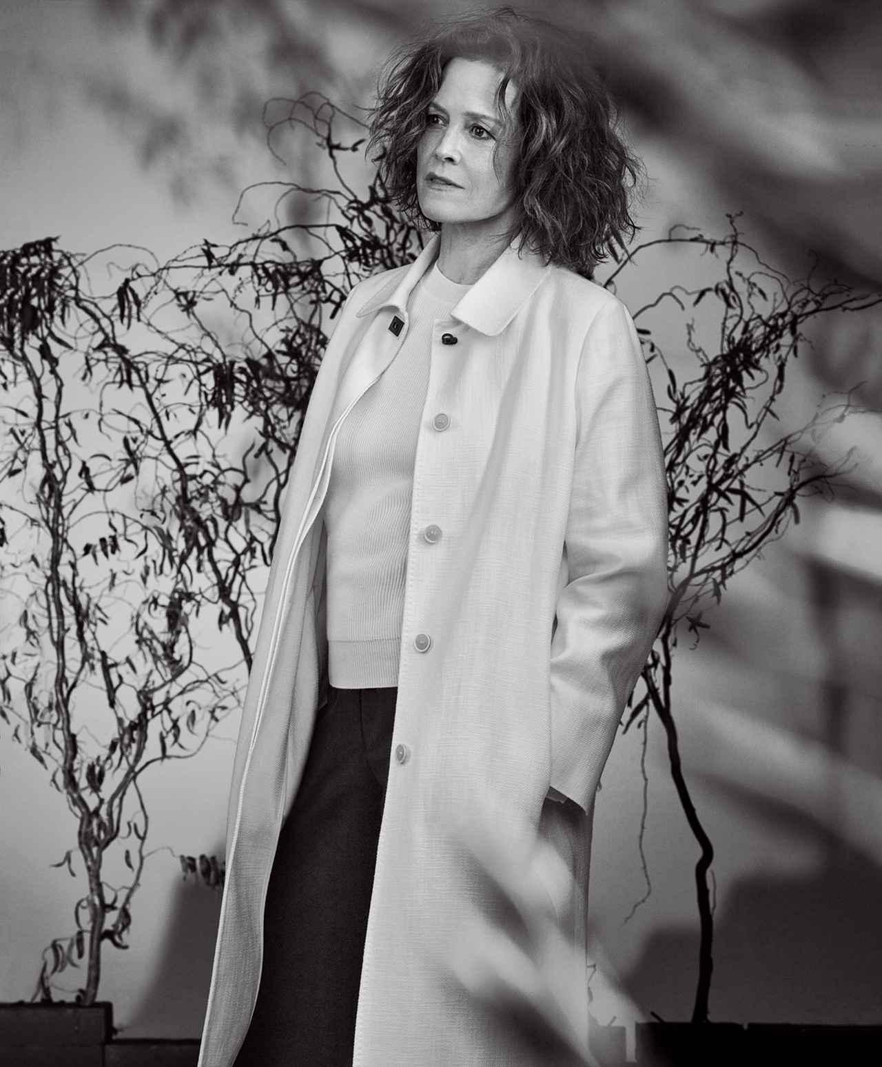 Images : 2番目の画像 - 「シガニー・ウィーバーは 前へ進み続ける」のアルバム - T JAPAN:The New York Times Style Magazine 公式サイト