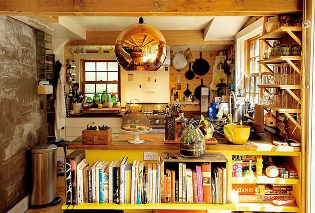 画像: ブルック・ウィリアムズとジョッシュ・リバーソンの台所