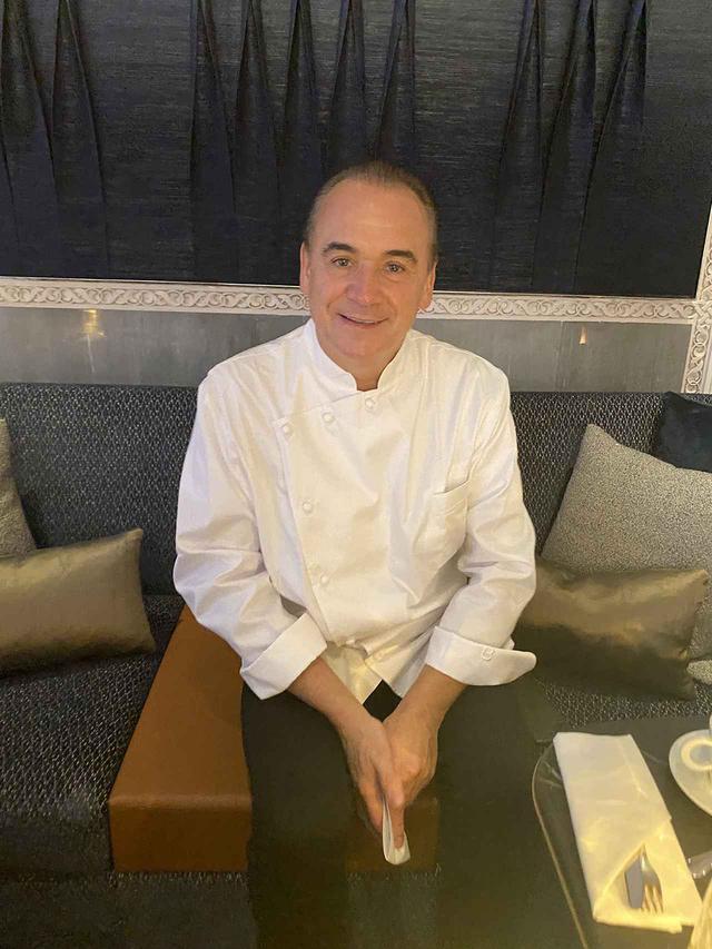 画像: 世界13カ国に40以上のレストランを持つジャン-ジョルジュ・ヴォンゲリスティンだが、アフリカは今回が初進出。2020年はコロナの影響で多くのスタッフを手放した一方、勉強熱心なモロッコの料理人との新たな協業に高揚しているとも語った