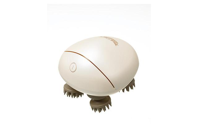 画像: リフトアップマッサージャー¥13,037(税込) 頭皮だけでなく全身に使えるのもうれしい。コードレス&防水仕様浴室でも使用可 商品詳細は こちら COURTESY OF DR.CI:LABO