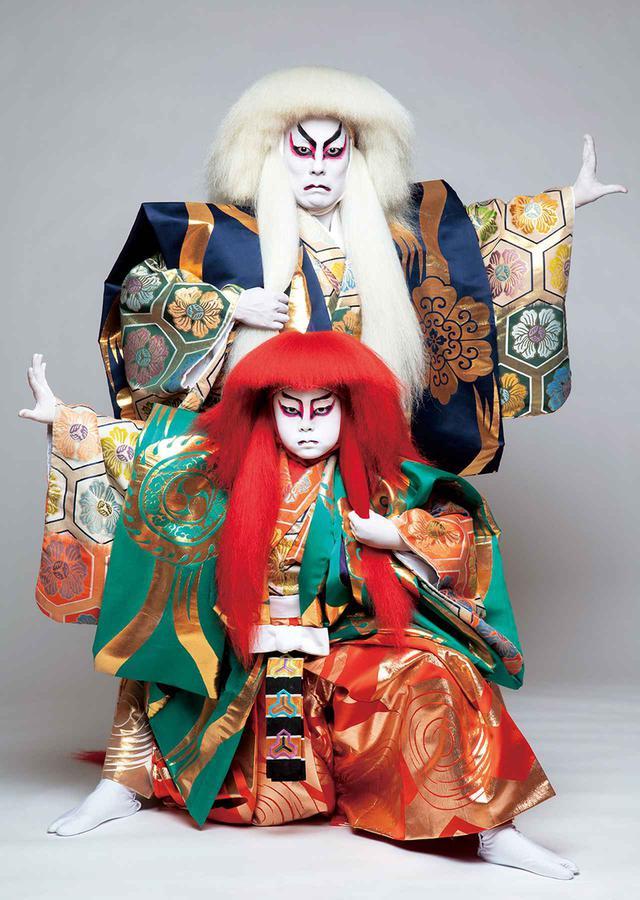 画像: 『連獅子』親獅子の精=中村勘九郎、仔獅子の精=中村勘太郎 PHOTOGRAPH BY KISHIN SHINOYAMA
