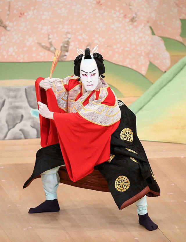 画像: 『義経千本桜 吉野山』佐藤忠信 実は源九郎狐=尾上右近 Ⓒ SHOCHIKU