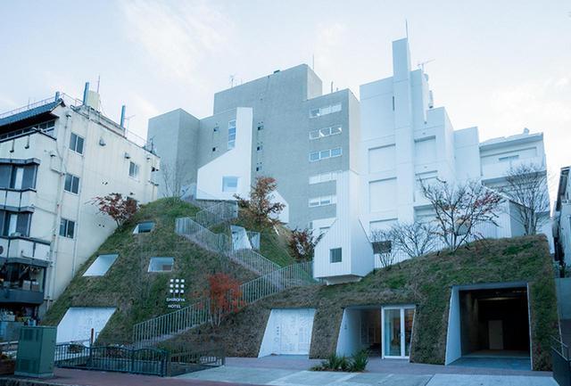 画像: 「グリーンタワー」は新築で、昔あったという利根川の旧河川の土手を思わせるような建物に