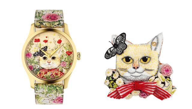 画像: (写真左)時計¥143,000 (写真右)ブローチ<H8xW8cm>¥62,700