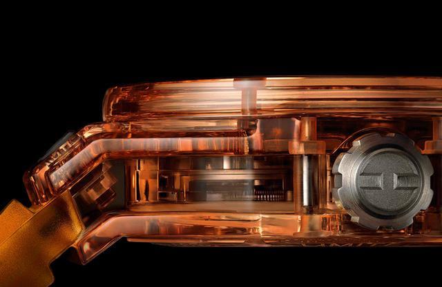 画像: 世界初オレンジサファイアのケースに、新開発した自社製初の自動巻きトゥールビヨン・ムーブメントを搭載