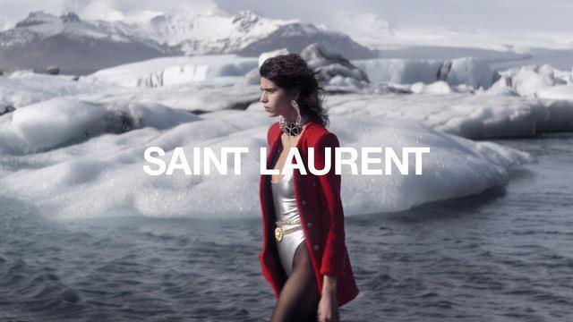 画像: SAINT LAURENT - WOMEN'S WINTER 21 - FULL SHOW www.youtube.com