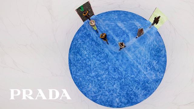 画像: Prada Fall/Winter 21 Womens Collection – A conversation with Miuccia Prada and Raf Simons to follow www.youtube.com