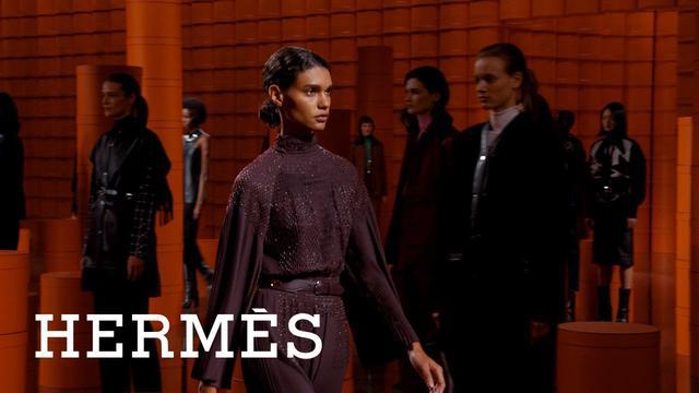 画像: Hermès   Women's Fall-Winter 2021 collection www.youtube.com