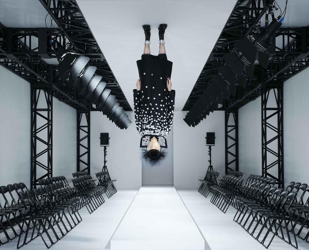 Images : アンリアレイジ展覧会『AとZ』|三菱地所アルティアム