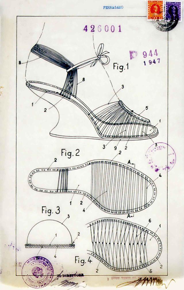 画像: 1947年に特許を取得した、サルヴァトーレ・フェラガモの「見えないサンダル」。当時、靴の素材としては画期的だったナイロンを使用。Fシェイプのウェッジヒールは、履いた女性がまるで空中を歩いているかのように見せる効果がある ARCHIVAL IMAGE: CENTRAL STATE ARCHIVES, MICA, ITALIAN PATENT AND TRADEMARK OFFICE, INVENTIONS, N. 426001