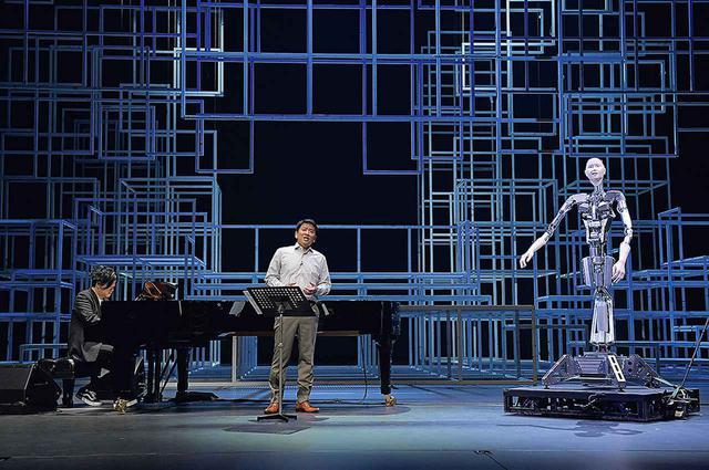 画像: 昨夏、舞台装置を仮組し、オルタ3、藤木、渋谷の演奏でプロモーション映像を撮影。新国立劇場のオペラ、舞踊、演劇の三部門のコラボレーション作品としても注目を集める ©️ NEW NATIONAL THEATRE, TOKYO