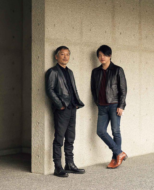 画像: (右) 渋谷慶一郎(KEIICHIRO SHIBUYA) 音楽家。音楽レーベルATAK主宰。電子音楽からオペラ、映画音楽まで多岐にわたる作品を制作。2012年、初音ミク主演のボーカロイド・オペラ『THE END』を、'17 年にはアンドロイドが指揮し、歌う『Scary Beauty』を発表し世界的に高い評価を得た (左) 島田雅彦(MASAHIKO SHIMADA) 小説家。1983年『優しいサヨクのための嬉遊曲』を発表し、注目を集める。オペラの脚本では『忠臣蔵』、蝶々夫人を主題にした『Jr.バタフライ』がある。近著に『空 想居酒屋』(NHK出版新書)など。現在、東京新聞で「パンとサーカス」を連載中