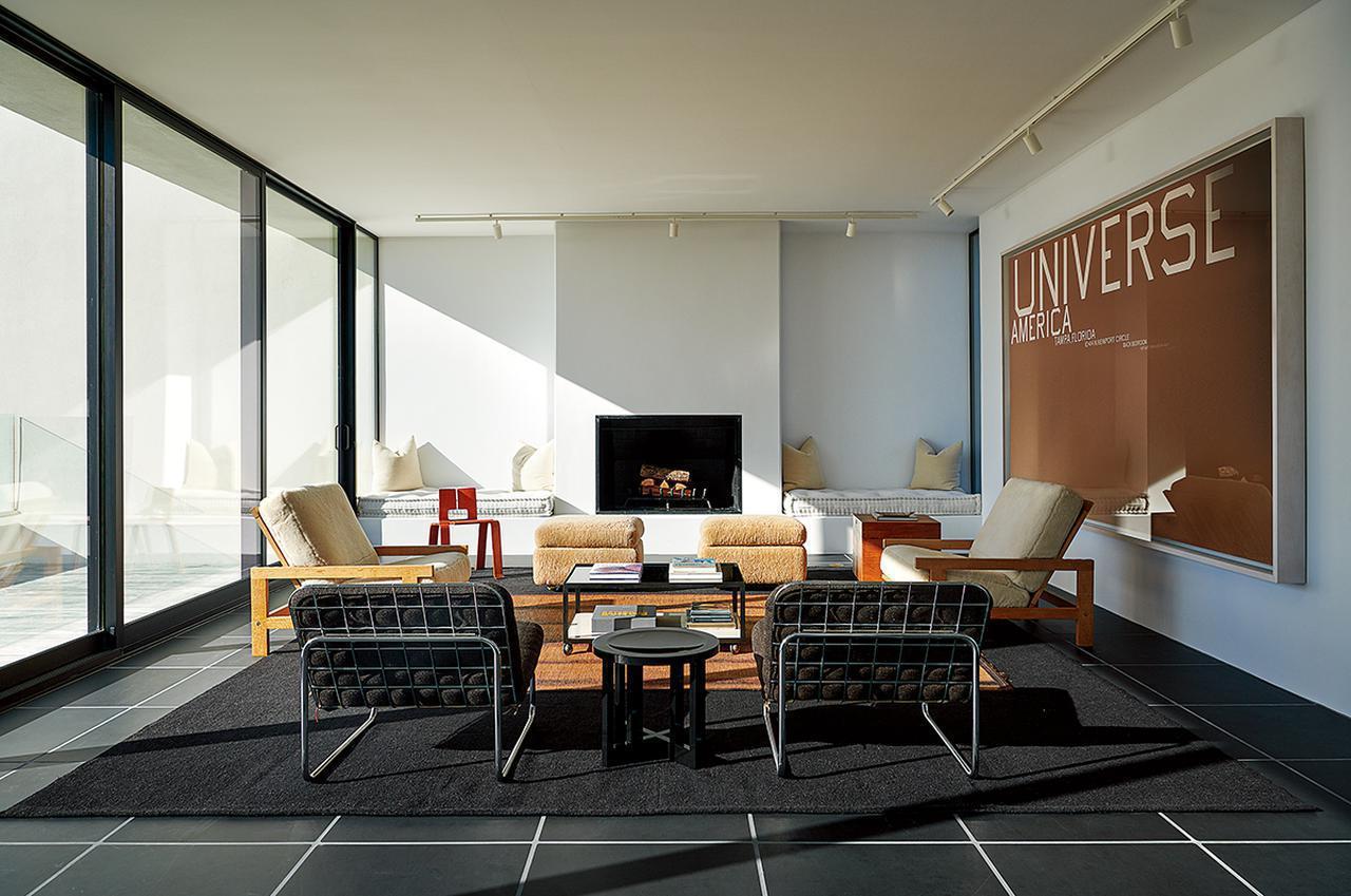 Images : 4番目の画像 - 「ウォード・ベネットが建てた 砂浜にたたずむ家」のアルバム - T JAPAN:The New York Times Style Magazine 公式サイト