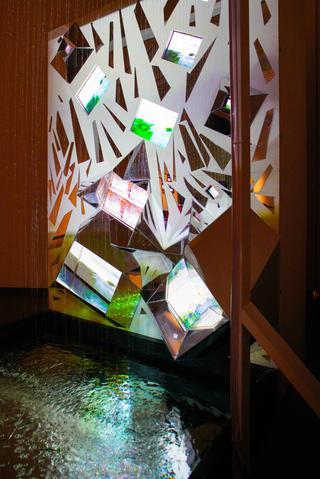 『Viva Video! 久保田成子展』|国立国際美術館