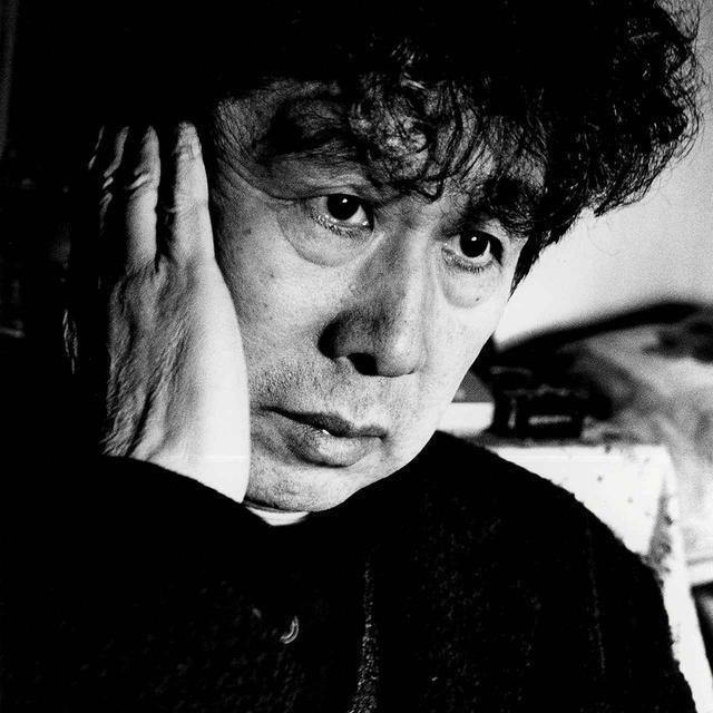 画像: 横尾忠則(TADANORI YOKOO) 1936年兵庫県生まれ。世界各国の美術館で個展を開催し、2011年度朝日賞、2015年第27回高松宮殿下記念世界文化賞受賞 © DAIDO MORIYAMA PHOTO FOUNDATION