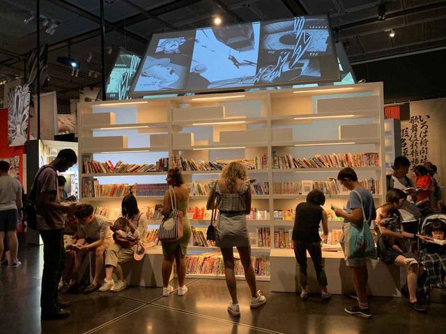 画像: 漫画黎明期の作品から最新作まで幅広く解説、原画を展示して注目を集めた。「マンガ展によって博物館の来場者の幅が広がりました」とニコルは言う COURTESY OF NICOLE COOLIDGE ROUSMANIERE