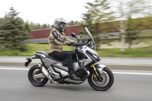 画像2: スクーターの快適さの裏にスポーツバイクのダッシュが潜む