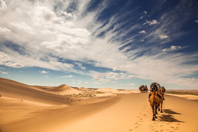 画像: ゴビ砂漠をラクダで旅する、非日常の冒険・アドベンチャー体験