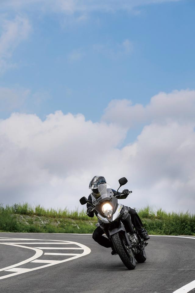 画像: 650ccの軽さでなければ、このハンドリングは実現できない
