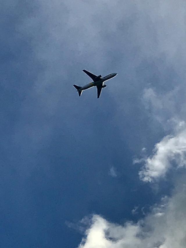画像1: 大空に舞う飛行機に僕は負けない。