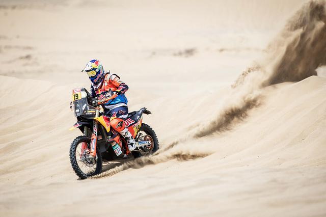 画像: ゼッケン19番 KTMのアントワン・メオ選手が優勝