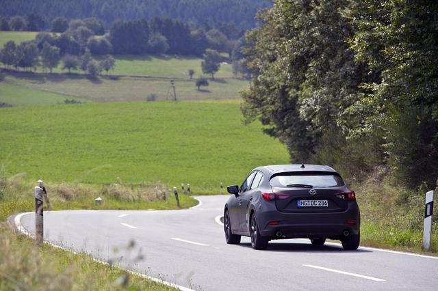 画像: アウトバーンと市街地を半々で走行して、14.3km/Lという高燃費を達成した。