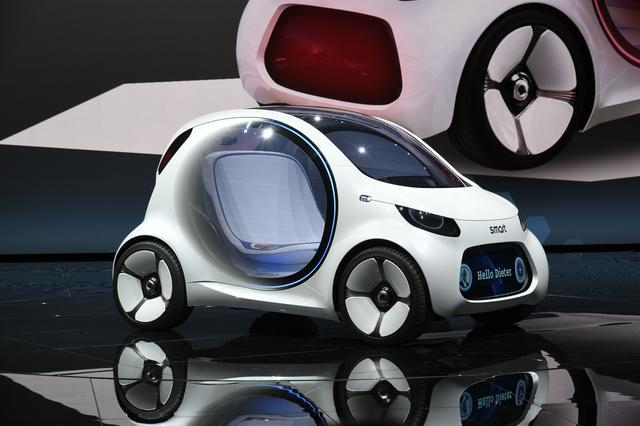 画像: スマート ビジョン EQ フォーツー。カーシェアリングで使われる無人運転車だ。(写真はフランクフルトショー時のもの)