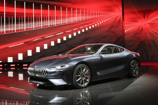 画像: BMW コンセプト 8シリーズ。およそ20年ぶりに8シリーズが復活することになる。(写真はフランクフルトショー時のもの)