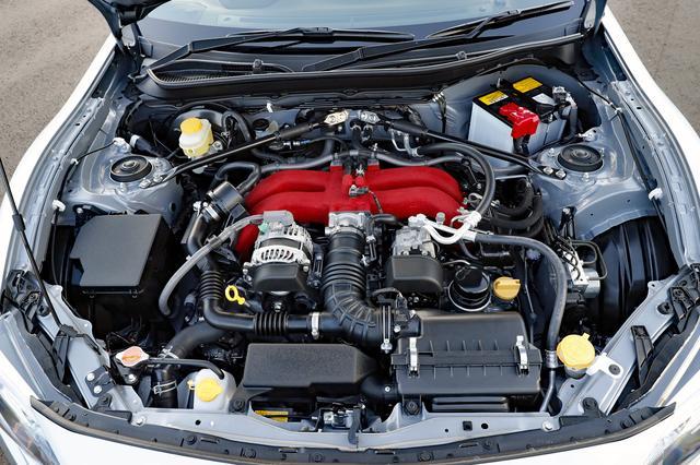 画像: エンジンや吸排気系はノーマルと変わらないが、フレキシブルVバーを装備している。