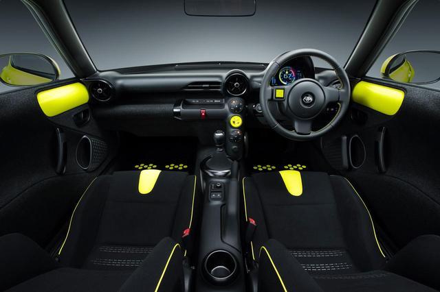 画像: トヨタ S-FRの内装は市販車間近か、と思わせるほどの完成度と感じたのだが…。