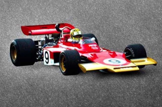 画像: 1970年 Lotus 72C 当時フロントに配置されていたラジエターをボディサイドに移し、ブレーキをインボード化。全体をウエッジ・シェイプ(楔形)にした革新的デザインで登場。この年マシンは72B、72Cと進化しながらヨッヘン・リントが4勝、エマーソン・フィッティパルディが1勝を記録する活躍を見せた。 ロータス72は1977年まで活躍し、2度のドライバーズチャンピオン(1970年・72年)、3度のコンストラクターズチャンピオン(1970年・72年・73年)を獲得した。