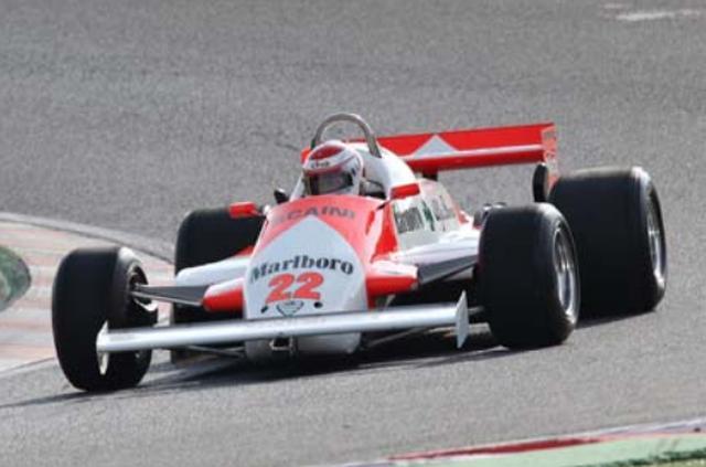 画像: 1982年 Alfa Romeo 179C 1976年、チームにエンジン供給する形でF1に復帰したアルファロメオは1979年からワークスチームとして参戦。水平対向12気筒からV型12気筒エンジン換えた179を投入。1981年にはマリオ・アンドレッティがチームに加わった。1982年にかけてアルファロメオは179C、179D、179Eと3種類のマシンを参戦させ、1981年の最終戦ラスベガスGPでアンドレッティが3位入賞。アルファロメオにF1復帰後初の表彰台をもたらせた。