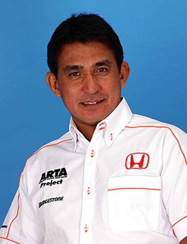 画像: 1972年からカートレースへ参戦して、79年にF3にデビュー。86年、全日本ツーリングカー選手権でチャンピオンを獲得。88年に全日本F3000シリーズチャンピオンとなって、F1日本GPにスポット参戦。89年から95年までF1に参戦し、90年の日本GPでは日本人初の3位入賞を果たす。その後ドライバーとしてル・マン24時間耐久レース、NSXでの全日本GT選手権(現在はSUPER GT)参戦などを経て、現在はチームオーナーとしてさまざまなレースに参戦中。 www.honda.co.jp