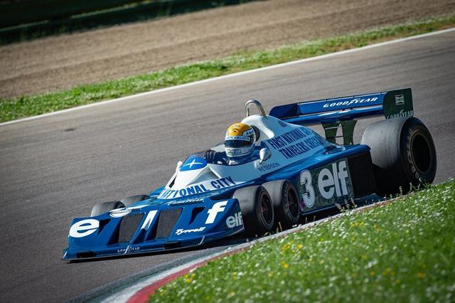 画像: 1977年型P34とP.マルティニ。その走りを「SUZUKA Sound of ENGINE 2019」で見ることができるのは嬉しいですね! minardiday.it