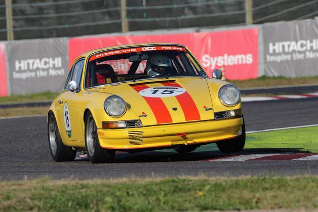 画像: Porsche 911ST-2.3(1969) ポルシェのフラッグシップカーとして1964年に発表された、2000cc空冷水平対向6気筒エンジンをリアに搭載する高性能スポーツカー。1966年には160馬力にパワーアップされたスポーツタイプの911Sが発売されるなど、仕様のことなるさまざまなバージョンが存在する。