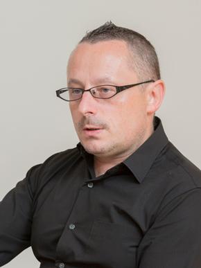 画像: 最新の著書「NEW ELITE」が注目を集めるピョートル・フェリクス・グジバチ氏
